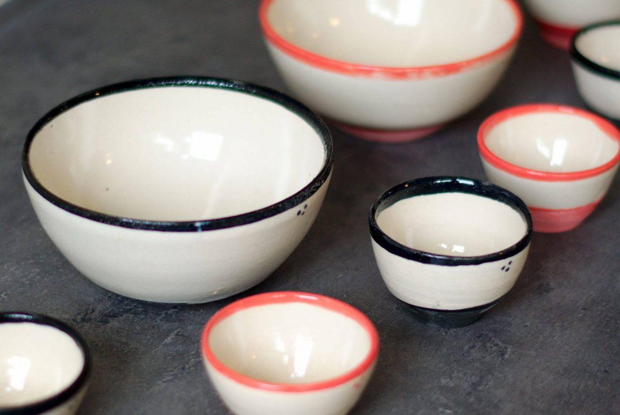 Tasses et bols en grès de l'atelier Sy
