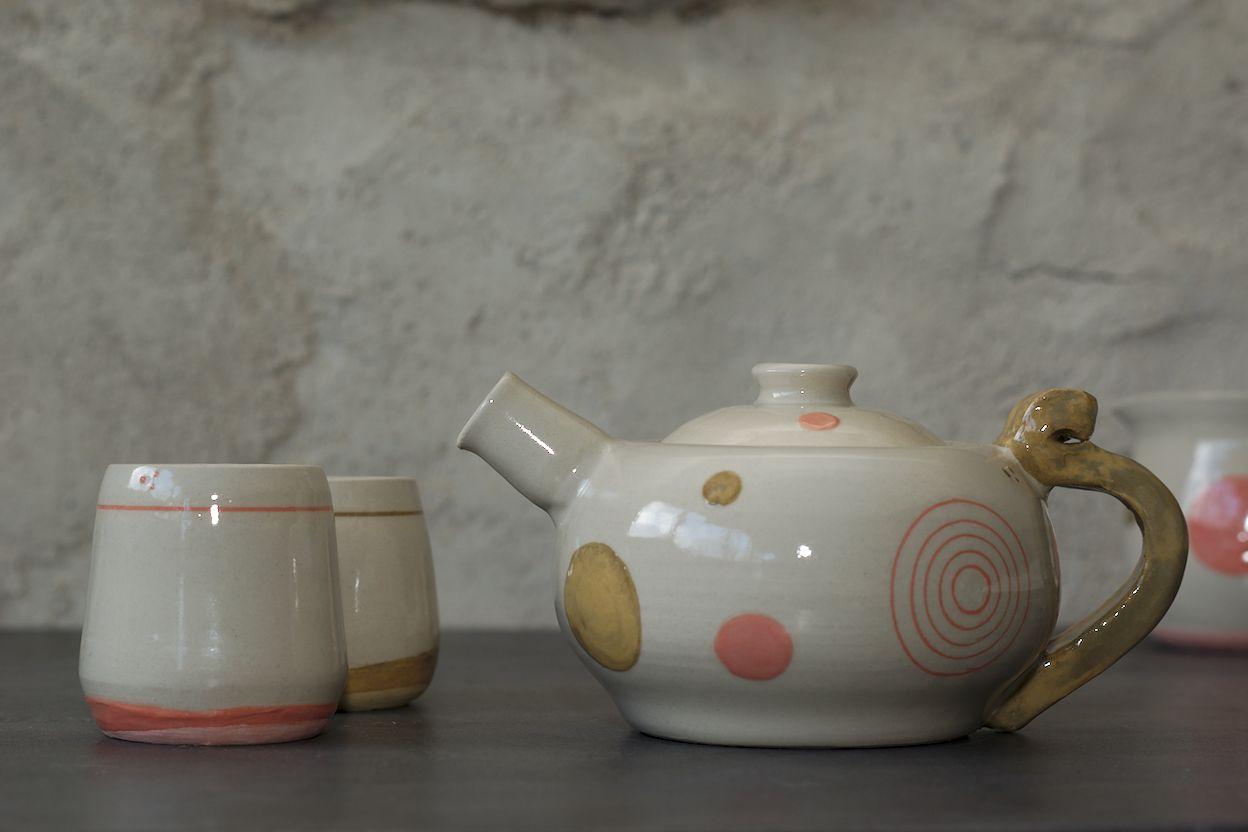 Théière et tasses en grès, poterie de L'atelier Sy